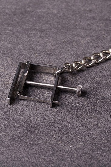 Nipple Clamps with Chain - Gallery - 002
